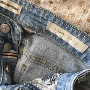 Button up jeans with accent patches